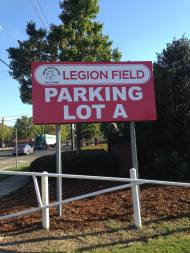 Sign_LegionFieldParkingA